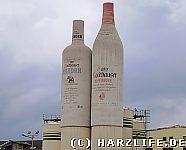 Riesige Kornflaschen