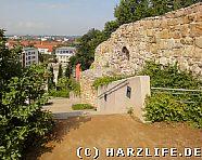 Rähmentreppe mit Stadtmauer
