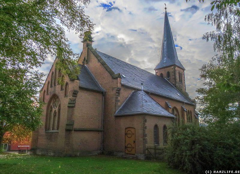 Die neogotische Kirche in Stapelburg