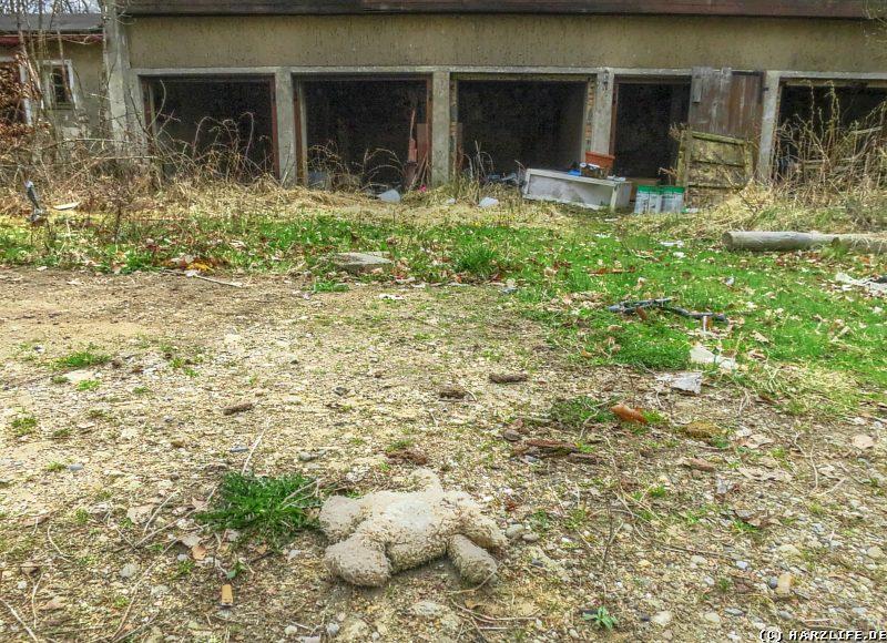 Garagenkomplex auf dem Ruinengelände Viktorshöhe