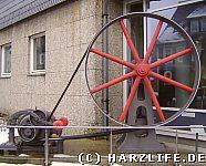 hydraulische Anlage vor der Uni