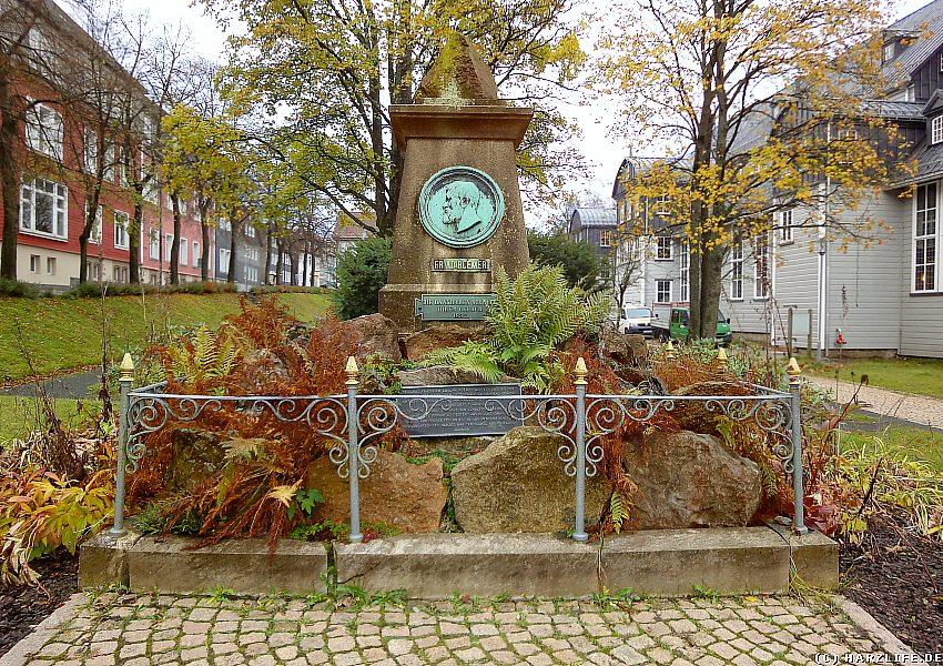 Denkmal für den einstigen Bergrat Friedrich Adolph Roemer