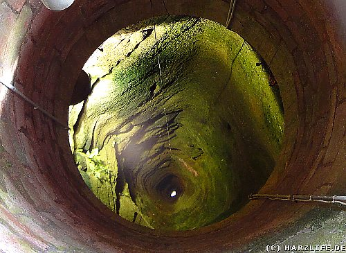 Der Burgbrunnen auf der Reichsburg Kyffhausen im Kyffhäusergebirge