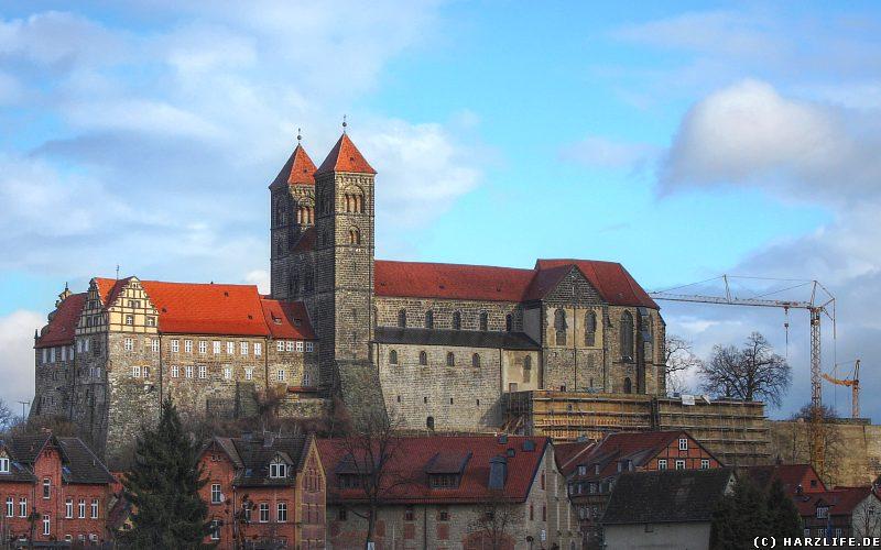 Blick vom Abteigarten auf den Schloßberg
