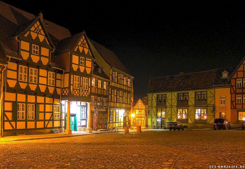Quedlinburg - Der Platz am Schloßberg bei Nacht