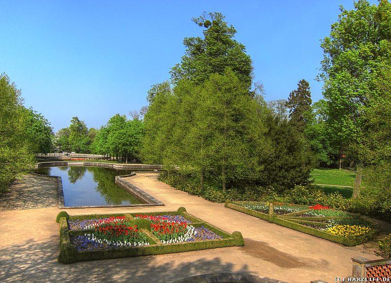 Der Schloßpark in Ballenstedt - Die Wasserachse