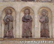 Figurengruppe über dem Eingang