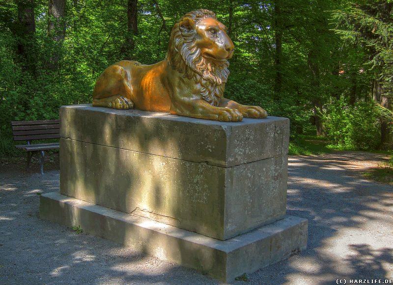 Schlosspark in Ballenstedt - Das Löwendenkmal