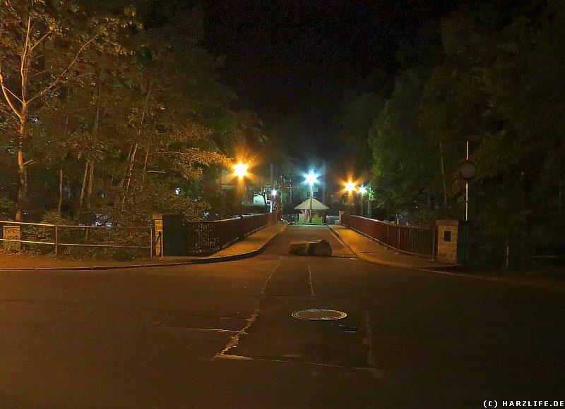 Die Hubertusbrücke bei Nacht