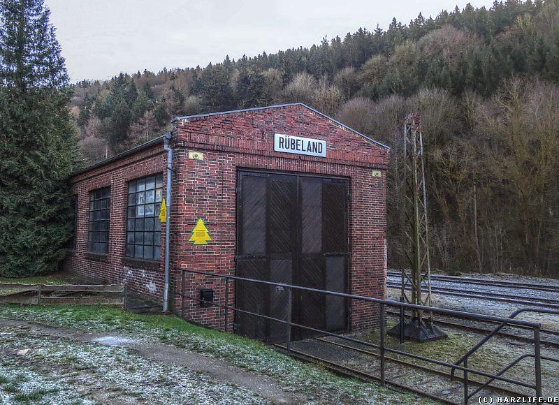 Der historische Lokschuppen am alten Bahnhof von Rübeland