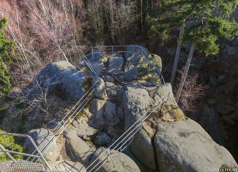 Blick zurück auf den steilen Aufstieg zum Gipfel des Ottofelsens
