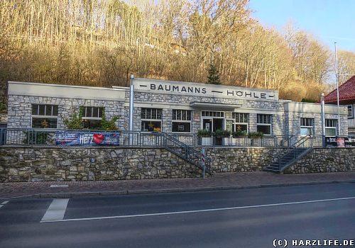 Das Eingangsgebäude der Baumannshöhle