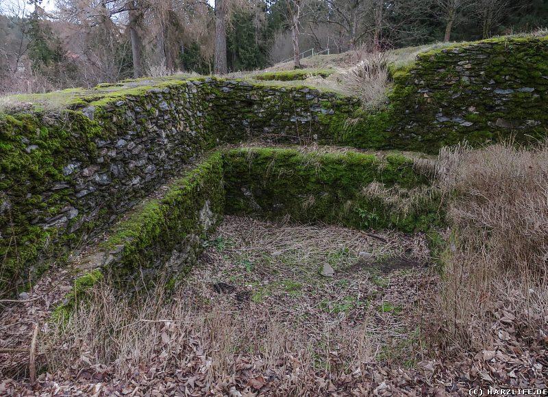 Ein freigelegter Kellerraum auf dem Burggelände