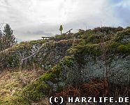 Blick von Norden zum Gipfel des Burgberges