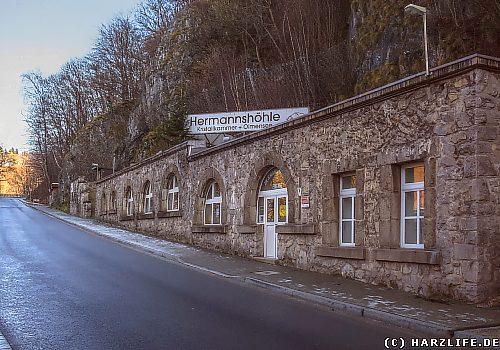 Das Eingangsgebäude der Hermannshöhle