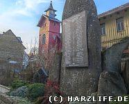 Kriegerdenkmal und Christuskirche in Rübeland