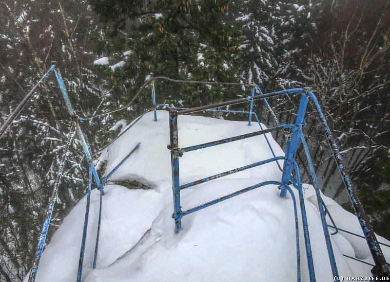 Auf dem winterlichen Gipfel der Schnarcherklippe