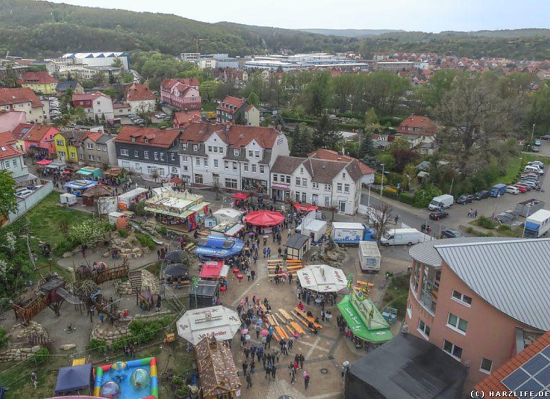 Der Walpurgismarkt vor dem Rathaus von Thale