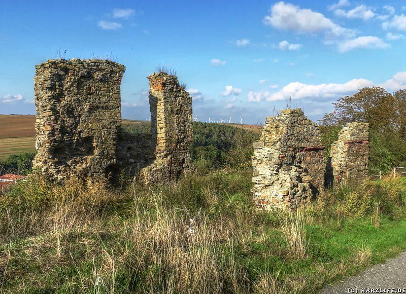 Die Reste der Burgkapelle der Burgruine Arnstein