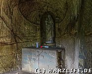 Marienstatue in der Felsgrotte