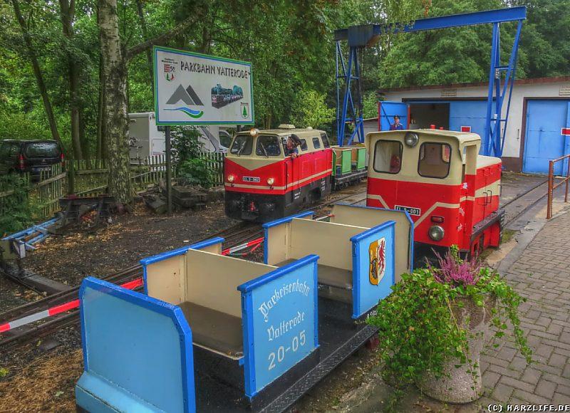 Lokomotiven und Personenwagen der Parkeisenbahn Vatterode
