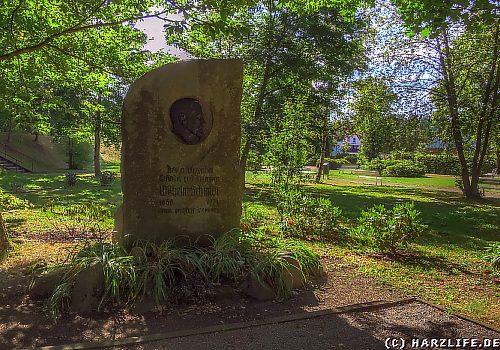 Das Wilhelm-Schmidt-Denkmal